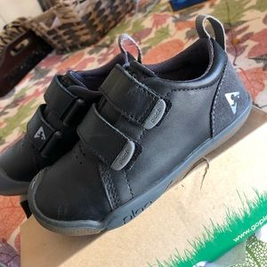 Plae Velcro Shoes